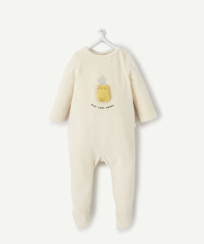 Sleepsuit - Pyjamas radius - BEIGE VELVET SLEEPSUIT IN ORGANIC COTTON WITH A CAT DESIGN IN RELIEF