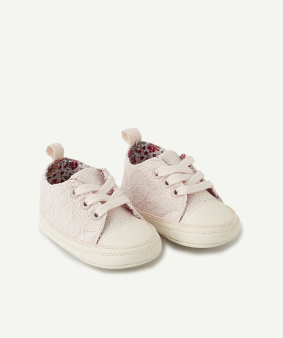 New In radius - LES CHAUSSONS ROSES À LACETS AVEC BRODERIES