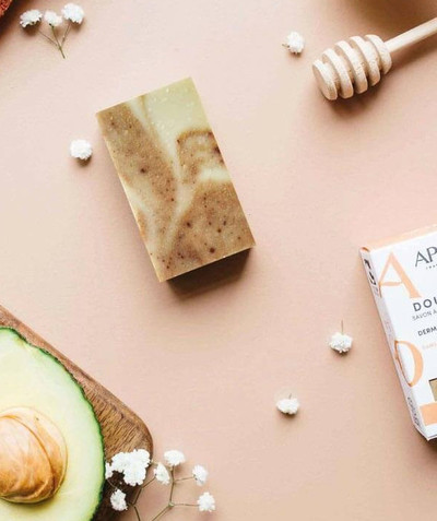 Accessories radius - APO® - SUPERFATTED ORGANIC SOAP WITH HONEY AND AVOCADO OIL